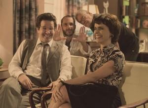 Ao lado do diretor de fotografia Walter Carvalho, Villamarim dirige Débora Falabella e Murilo Benício (Foto: Globo/Estevam Avellar)