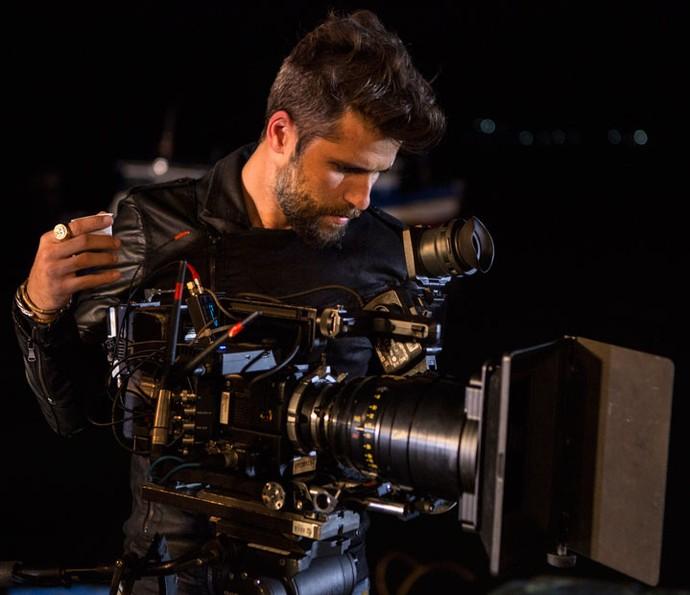 Bruno Gagliasso no intervalo das gravações em Búzios (Foto: Felipe Monteiro / Gshow)