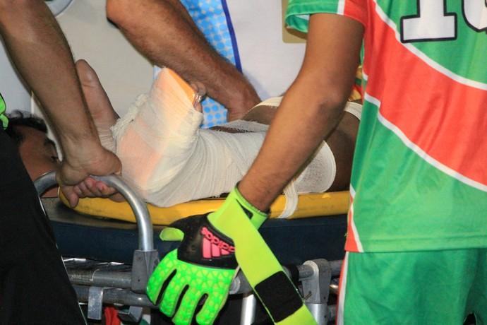 Atendido viu provável fratura no tornozelo, na região do Maveólo esquerdo (Foto: Imagem/Tércio Neto)