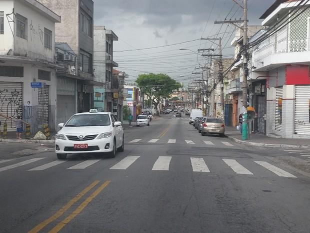 Rua vazia no Jardim Brasil por volta das 17h (Foto: Tatiana Santiago/G1)