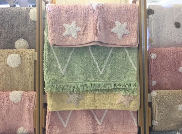 Tapetes 100% algodão laváveis em máquina da Lorena Canals (Foto: Casa e Jardim)