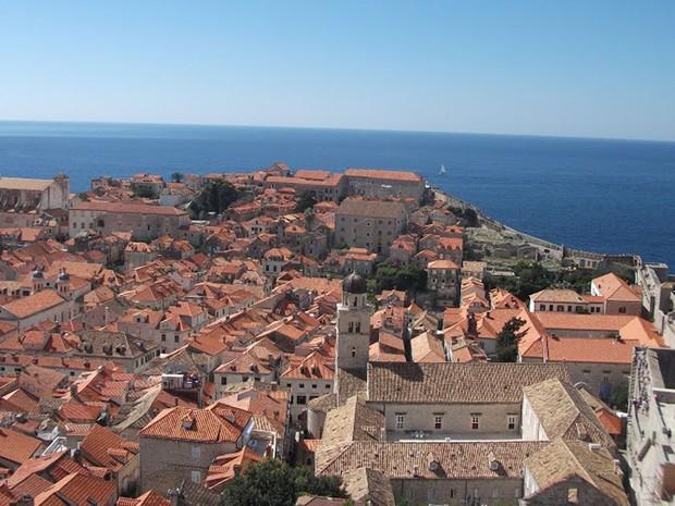 Vista de Dubrovnik do alto; cidade é cenários para gravações do famoso seriado 'Game of Thrones' (Foto: Tadeu Meniconi/G1)