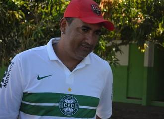 Elenilson Silva quer vitória pera embalar 'Coxa' (Foto: Felipe Martins)