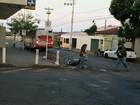 Motociclista morre após colidir com ônibus em Uberlândia