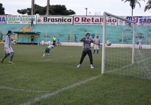 Teti fez golaço de cabeça para o Tocantinópolis aos 12 minutos do 2º tempo (Foto: Divulgação/Tocnotícias)