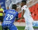 """Após empate na Argentina, Robinho lamenta gol cedo em """"falha coletiva"""""""