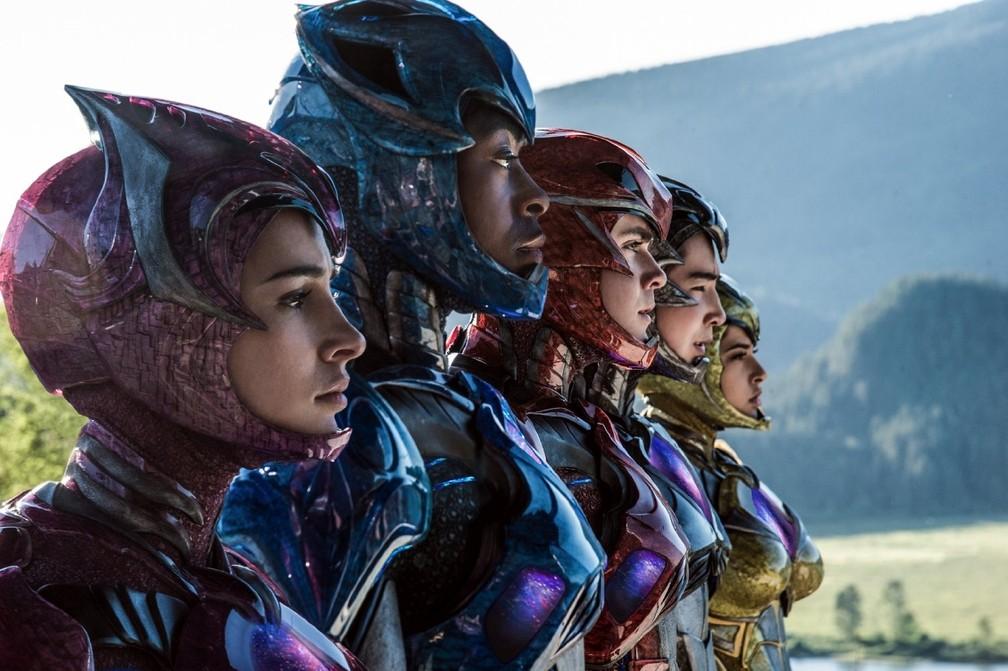 Becky G., Dacre Montgomery, Naomi Scott, Ludi Lin e RJ Cyler em 'Power Rangers' (Foto: Divulgação)