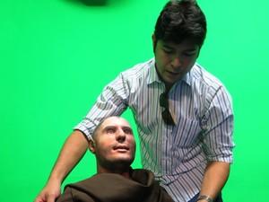 Miamoto também participou da criação do rosto de Santo Antônio (Foto: Orion Pires/G1)
