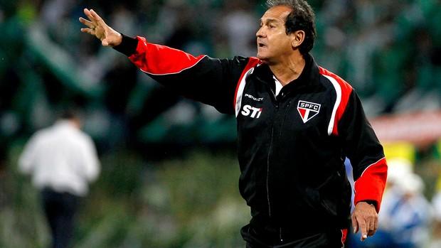 Muricy Ramalho jogo Nacional de Medellín contra São Paulo (Foto: AP)