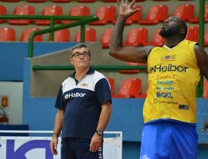 Paco no treino do Mogi (Foto: Bruno Rocha)