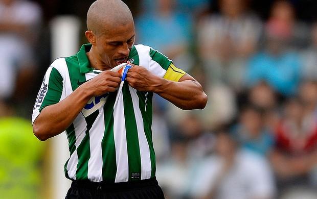 Alex coritiba gol santos série A (Foto: Mauro Horita / Agência Estado)
