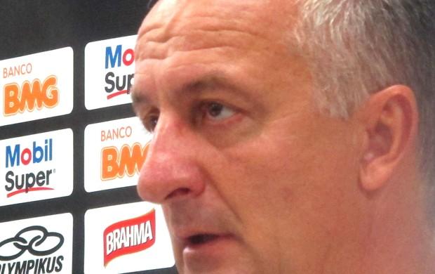 Dorival Junior na entrevista do Flamengo (Foto: Janir Júnior / Globoesporte.com)