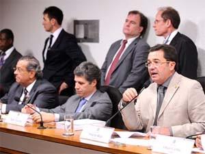 Presidente da CPI do Cachoeira, senador Vital do Rêgo (PMDB-PB), durante sessão da comissão nesta quarta-feira (30) (Foto: Pedro França/Agência Senado)