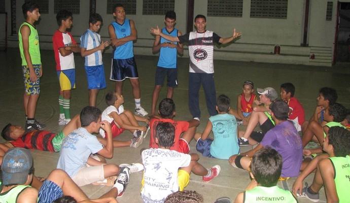 Projeto social de vôlei em Caiçara, Paraíba (Foto: Divulgação)