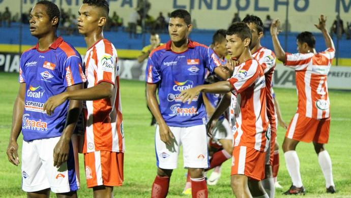 Piauí x Caiçara  (Foto: Renan Morais/GLOBOESPORTE.COM)