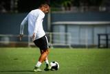 Thiago Maia dá susto, e Patito volta a treinar como titular no Santos