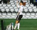 Neto Berola desencanta e vibra com primeiro gol no Coritiba em 2017
