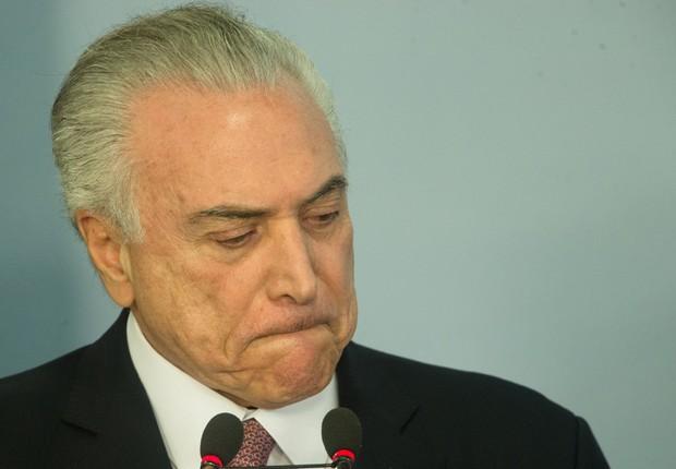 O presidente Michel Temer durante pronunciamento com parlamentares que apoiam o governo (Foto: Lula Marques/AGPT)