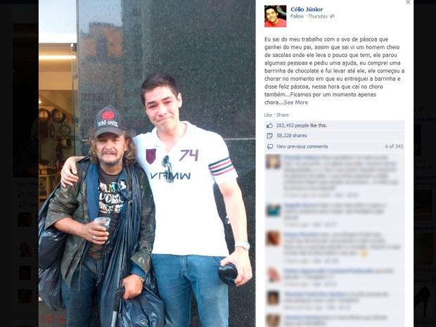 Célio pediu para tirar foto ao lado de morador de rua (Foto: Reprodução/Facebook)