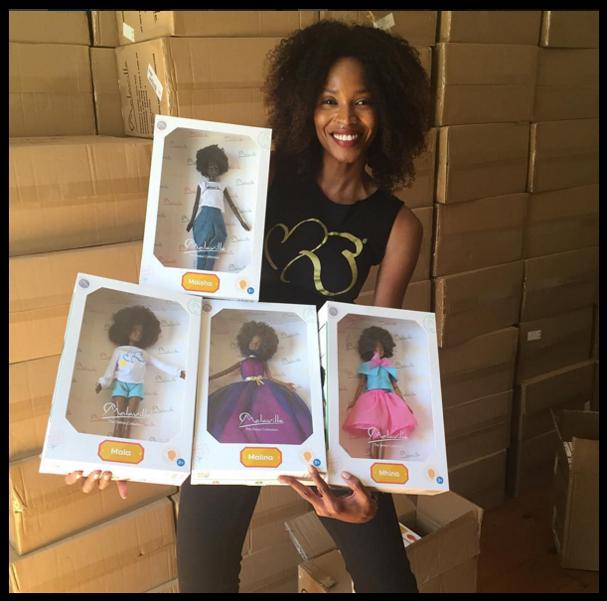 Modelo caribenha lança linha incrível de bonecas negras com cabelos crespos