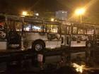 Ônibus pega fogo no Leblon