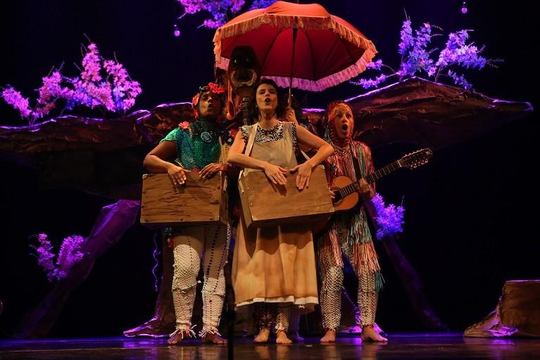 peça teatro Cora Doce Poesia (Foto: Michel Igielka)