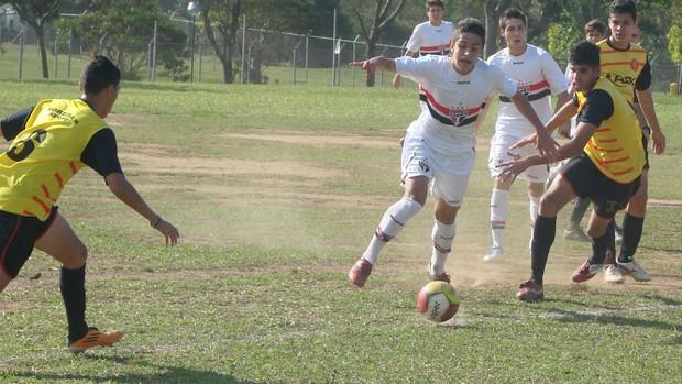 São Paulo contra Moreira sub-16 (Foto: Filipe Rodrigues / Globoesporte.com)