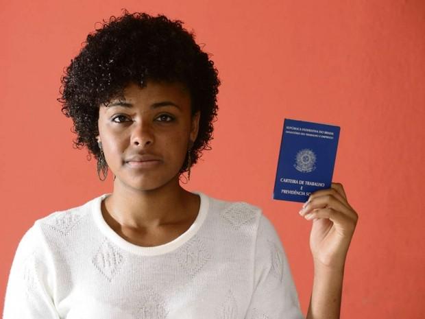 Sara de Oliveira é aprendiz e se preocupa com novas regras da Previdência (Foto: Ricardo Medeiros / A Gazeta)