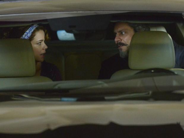 Cristina dá um prazo para Zé Alfredo resolver se vai fazer o exame (Foto: Raphael Dias/Gshow)