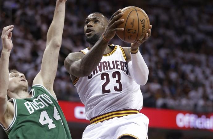 LeBron James Cavs x Celtics NBA - AP (Foto: AP)