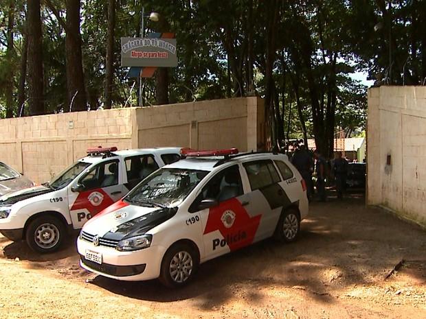 Torneio clandestino de canto de pássaros ocorria em Sertãozinho (Foto: Maurício Glauco/EPTV)