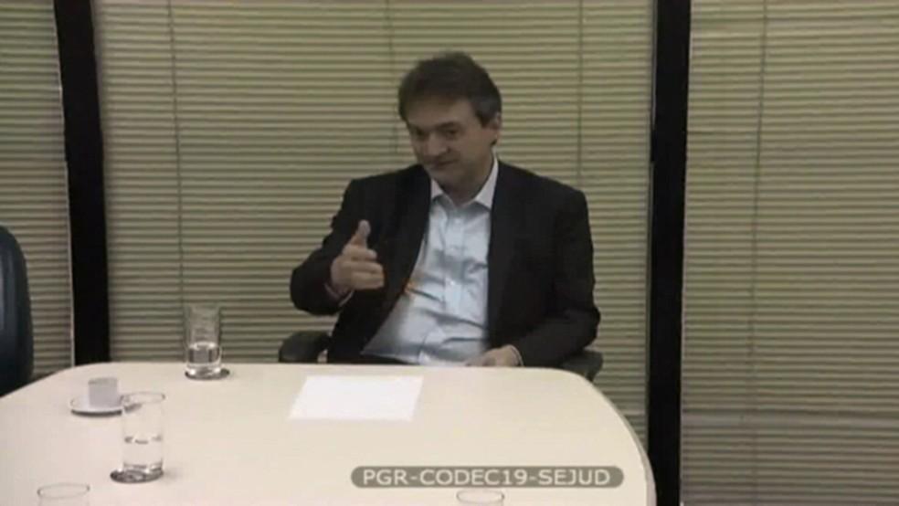 O empresário Joesley Batista durante depoimento em delação premiada ao Ministério Público Federal (Foto: Reprodução/Fantástico)