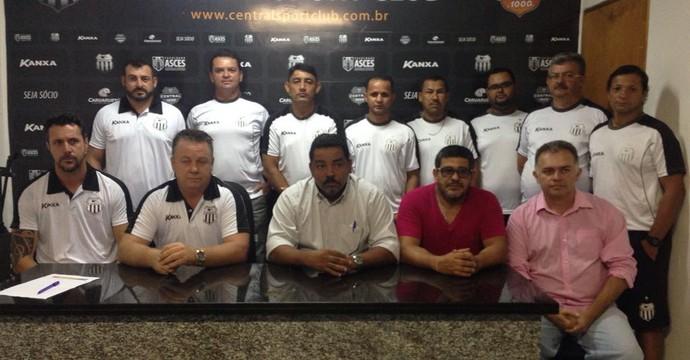 Comissão técnica do Central (Foto: Mavian Barbosa / GloboEsporte.com)