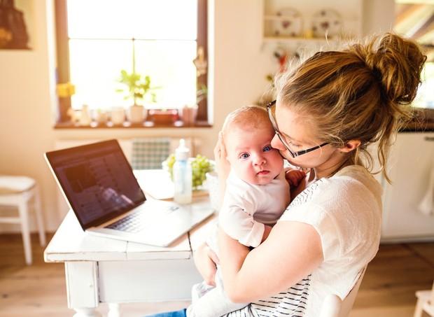 Após o nascimento da segunda filha, Cinthia Dalpino criou o Mãe at Work para debater um dos pontos-chave da maternidade no século XXI (Foto: Thinkstock)
