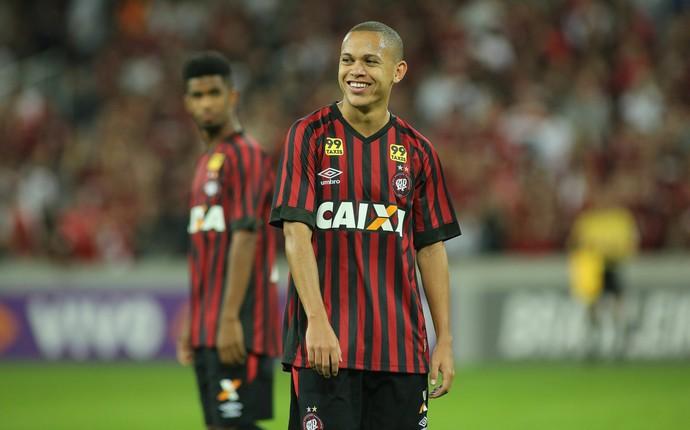Marcos Guilherme Atlético-PR (Foto: Giuliano Gomes/ Agência PRPRESS)