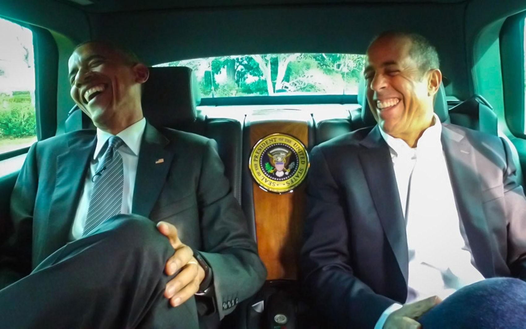 O presidente dos EUA, Barack Obama, e o comediante Jerry Seinfeld em cena de episódio da série 'Comedians in cars getting coffee' (Foto: Divulgação/Crackle)