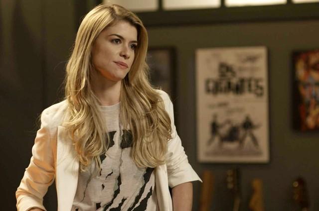 Alinne Moraes é Diana em 'Rock story' (Foto: Reprodução/TV Globo)