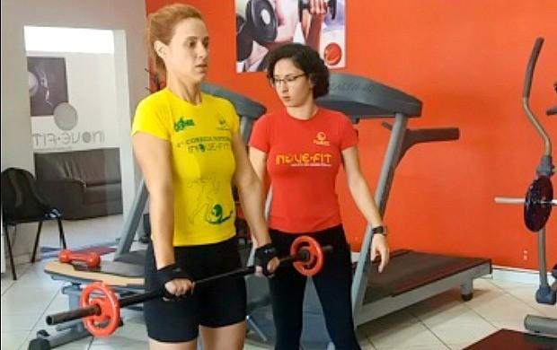 Karina Quadros retoma treino na academia após gripe (Foto: Karina Quadros/Arquivo Pessoal)