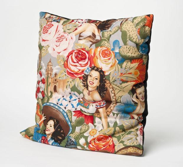 Capa de almofada à venda na loja Love Therapy®, de Milão (Foto: divulgação)