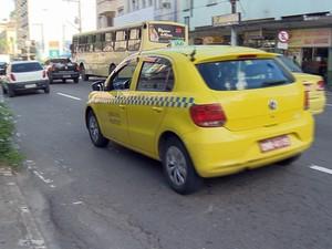 Taxi em Juiz de Fora (Foto: Reprodução/TV Integração)