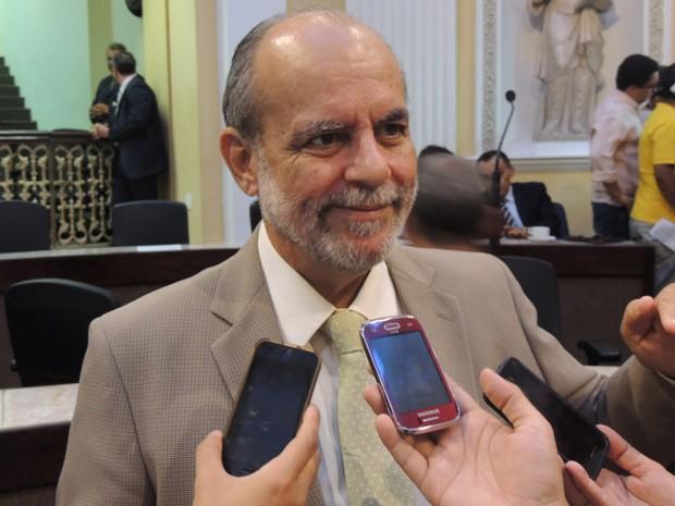 Com aprovação da reforma administrativa, deputado Waldemar Borges (PSB) acredita que haverá diminuição de cargos comissionados e consequente impacto na folha do Estado (Foto: Luna Markman/G1)
