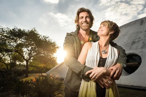 Reynaldo Gianecchini e Claudia Abreu na novela A Lei do Amor (Foto: Ramon Vasconcelos/TV Globo)