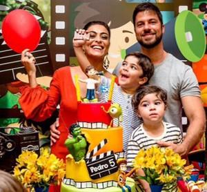 Juliana Paes, o marido, Carlos Eduardo Baptista, Pedro e Antonio (Foto: Arquivo pessoal)