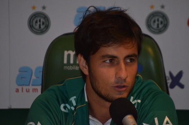 Chiquinho em sua apresentação ao Bugre nesta quinta-feira (Foto: Bernardo Medeiros / Globoesporte.com)