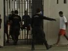 Presídio CPPL II tem 250 presos para cada agente, diz sindicato