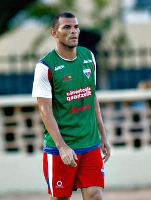 Adalberto, zagueiro do Fortaleza (Foto: Bruno Gomes/Agência Diário)