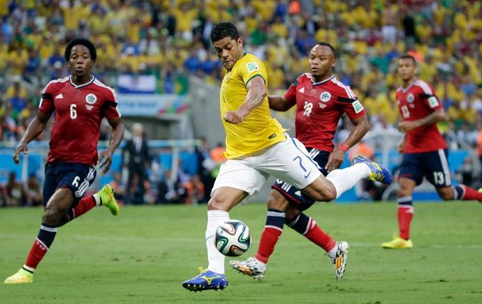 Hulk brasil e Colômbia Arena Castelão (Foto: Agência AP)