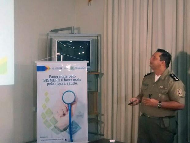 O major da Polícia Militar Roselito Delmiro, coordenador de segurança do Enem em Pernambuco, confirmou ocupação de mais um local de prova no Grande Recife (Foto: Cláudia Ferreira/G1)