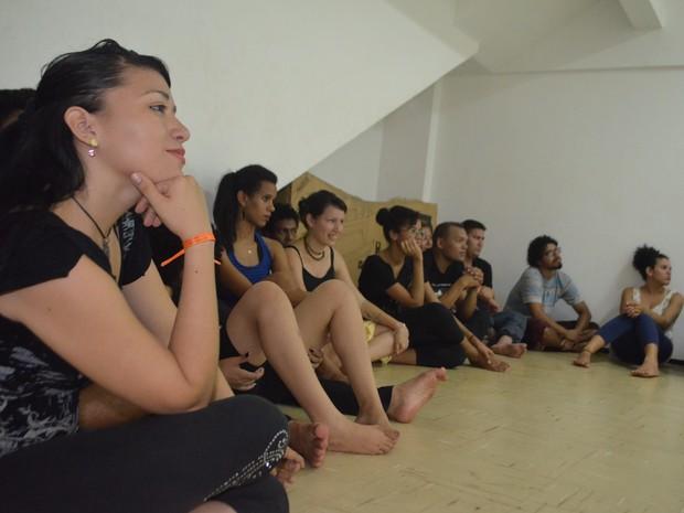 Oficina de teatro atraiu profissionais de diferentes áreas (Foto: Jorge Abreu/G1)