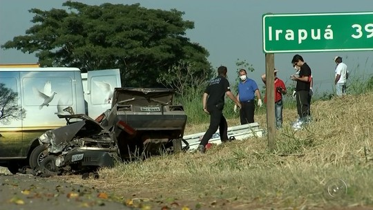 Carro fica partido ao meio em acidente que matou trabalhadores rurais, diz polícia